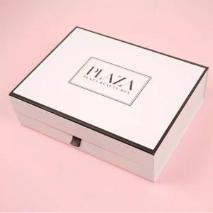 LYKO PLAZA Beauty Box